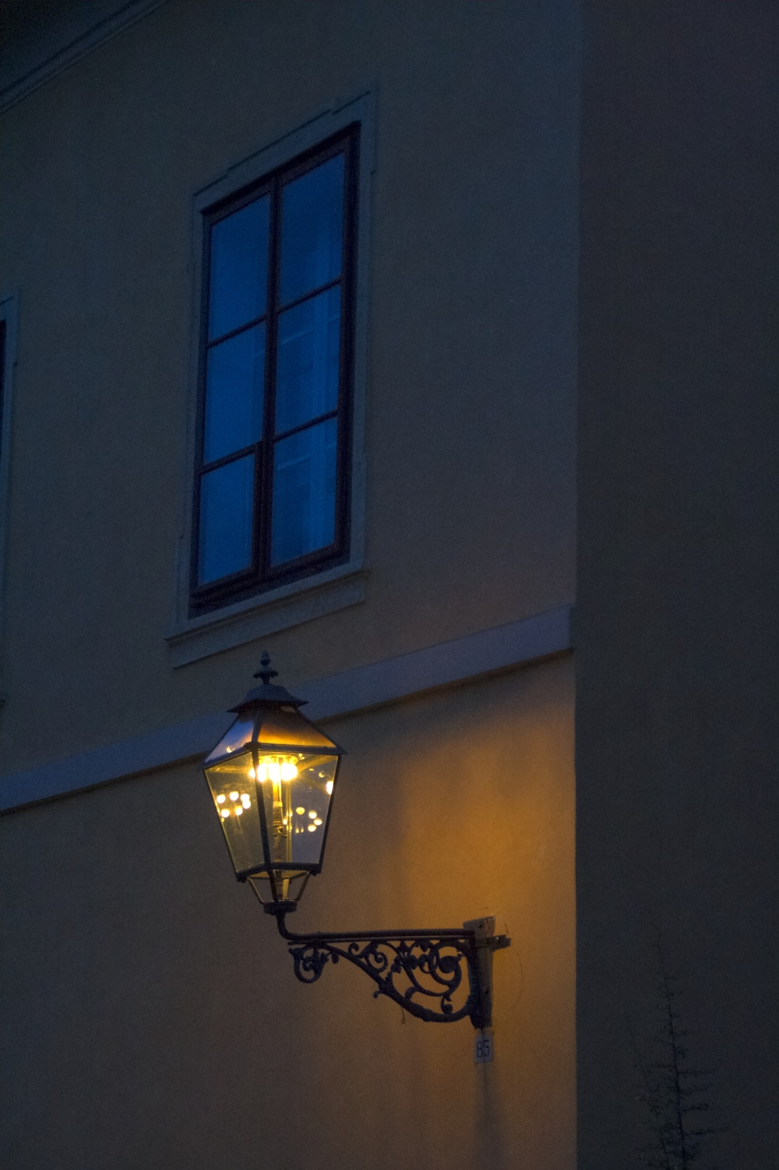 lantern-old-light-evening-twilight